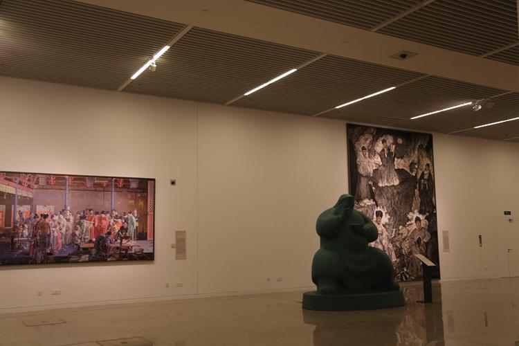 绘画作品展示墙边框