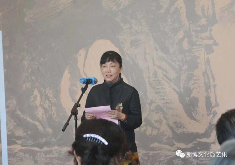 3.自治区党委宣传部副部长吕洁在开幕式上致辞.jpg